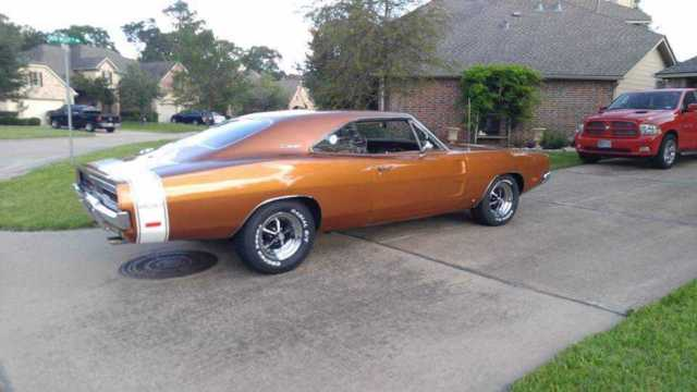 1969 Dodge Charger (T5 Copper/Saddle Tan)
