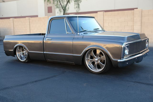 1970 Chevrolet C-10 (Gray/Black)