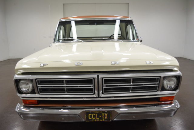 1972 Ford F-100 (Tan/Brown)