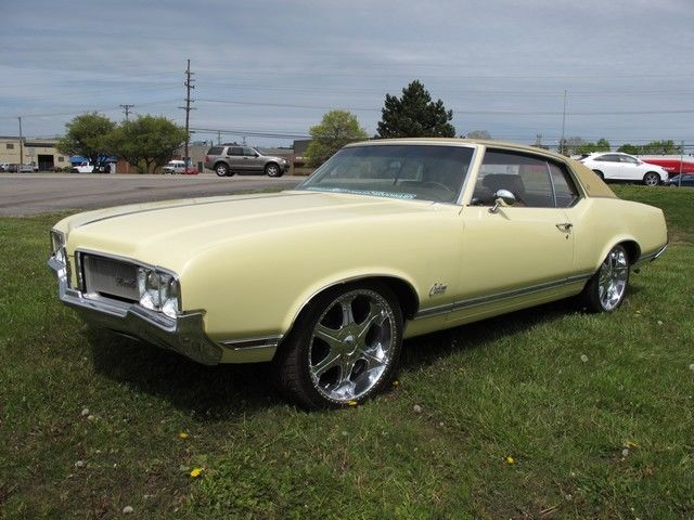 1970 Chevrolet OLDSMOBILE (Yellow/--)