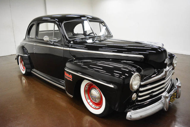 1948 Ford Coupe Restomod (Black/Gray)