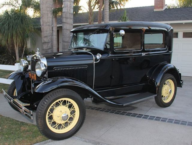 1931 Ford Model A (Black/Gray)