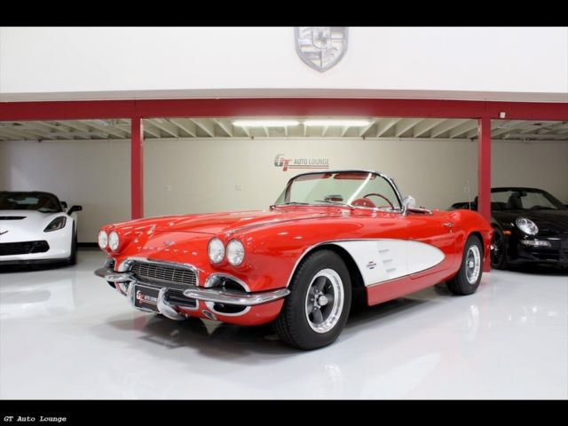 1961 Chevrolet Corvette (Red/Red)