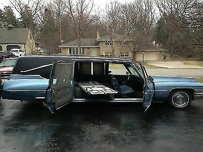1973 Cadillac Fleetwood (Blue/Blue and Grey)