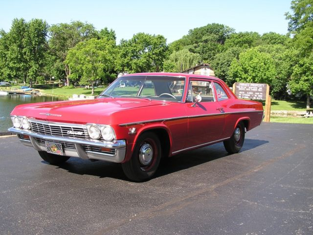 1965 Chevrolet Bel Air/150/210 (Red/fawn)