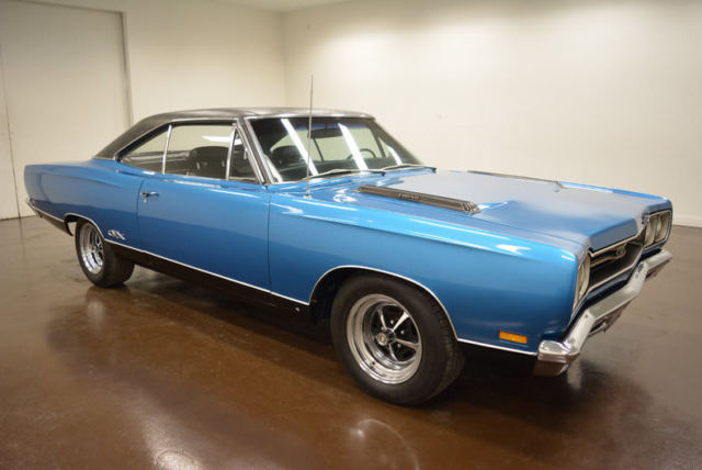 1969 Plymouth GTX 426 HEMI (Blue/Black)
