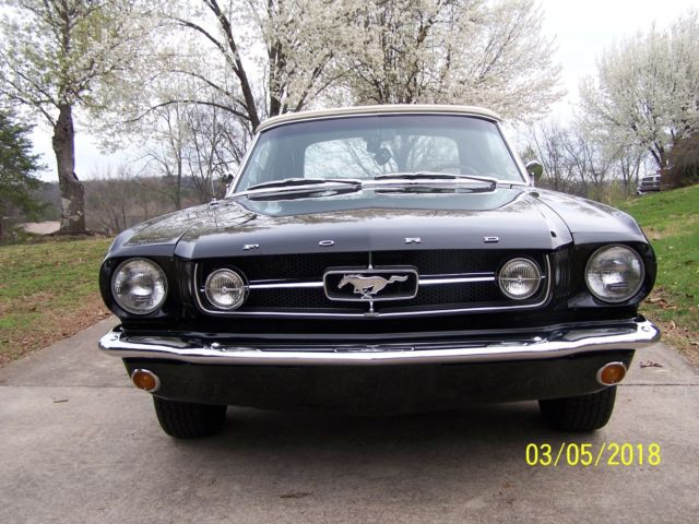 Seller of Classic Cars - 1964 Ford Mustang (Black/BLACK/WHITE)