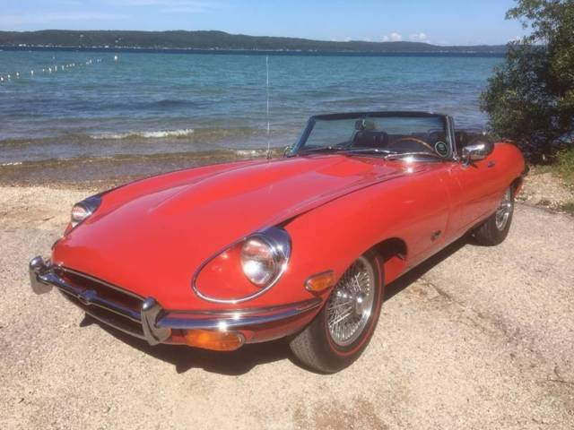 1971 Jaguar E-Type (Red/Black)