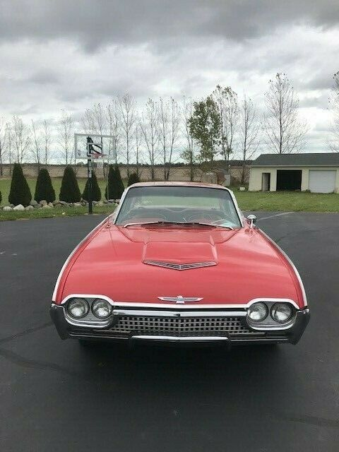 1962 Ford Thunderbird (Red/Red)