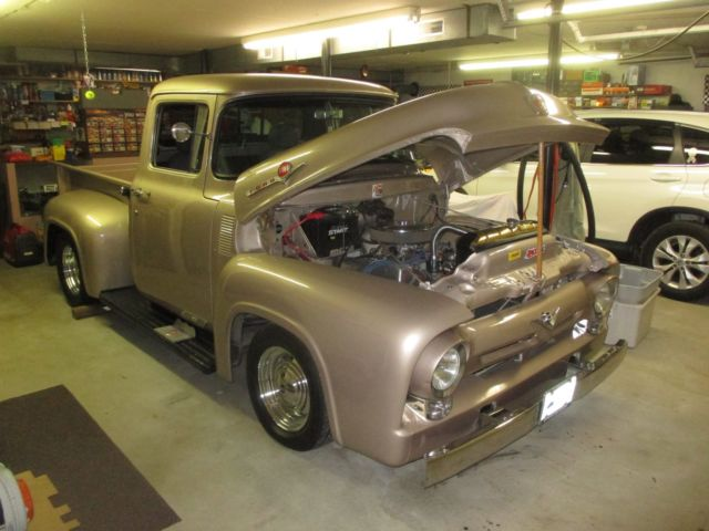 1956 Ford F-100 (Tan/Gray and Black)