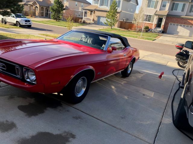 1973 Ford Mustang (Red/Black)