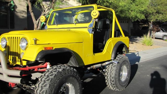 1977 Jeep CJ (Yellow/Black)