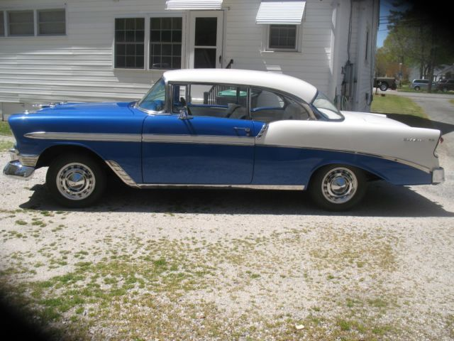 1956 Chevrolet Bel Air/150/210 (Nasaeu Blue / India Ivory/Blue / White)