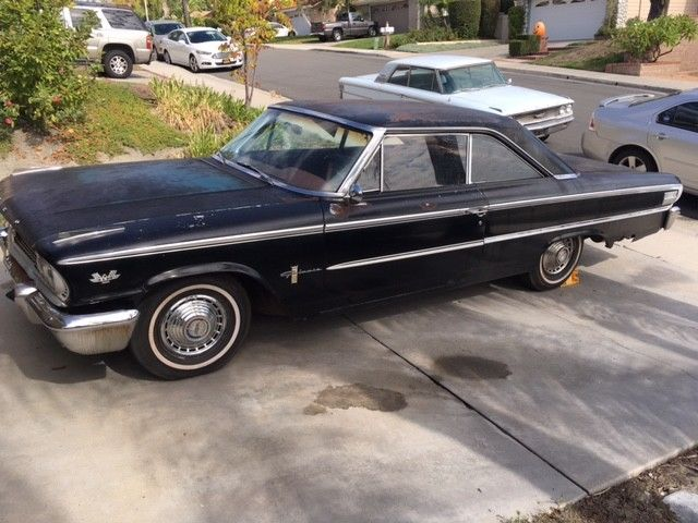 1963 Ford Galaxie (Black/Red)