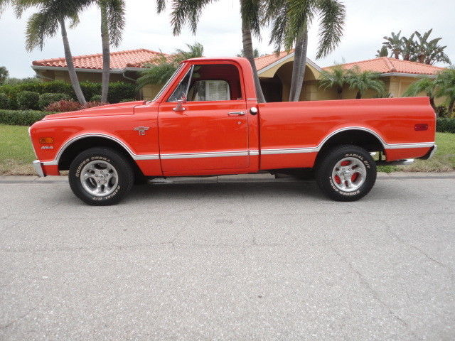 1967 Chevrolet C-10 (Hugger Orange/Tan)