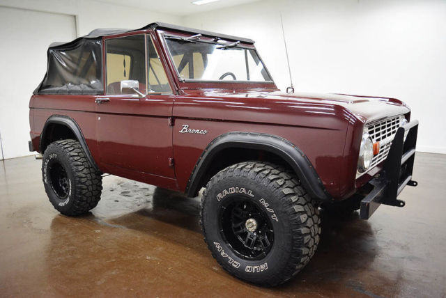 1969 Ford Bronco (Maroon/Red)