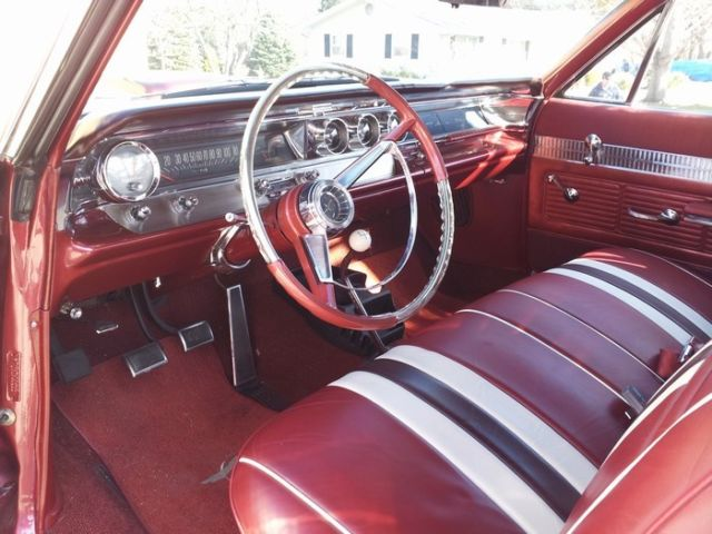 1963 Pontiac Catalina (Red/red and white)