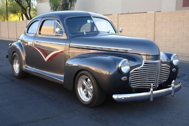 1941 Chevrolet 5-Window Coupe (Gray/Burgundy)