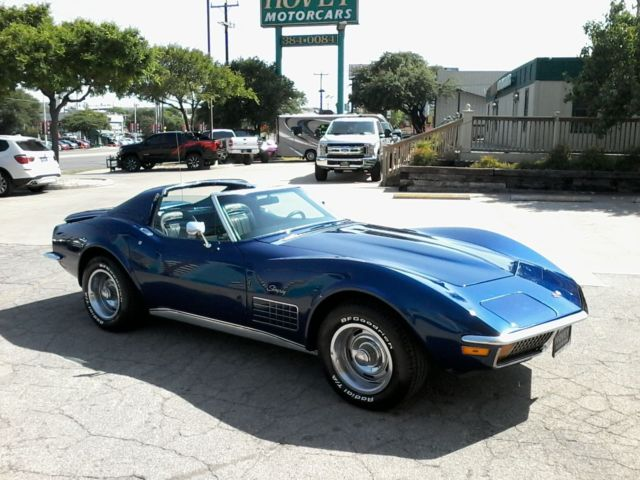 1972 Chevrolet Corvette (Blue/Black)