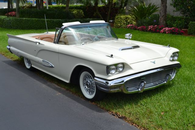 1959 Ford Thunderbird (White/Tan)