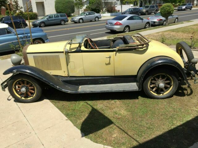 1930 Buick Rumble Seat Roadster (Yellow/Black)
