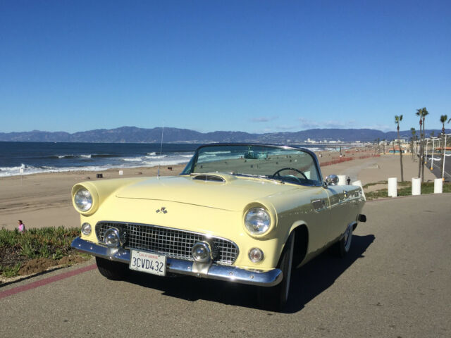 1955 Ford Thunderbird (Yellow/Yellow & Black)