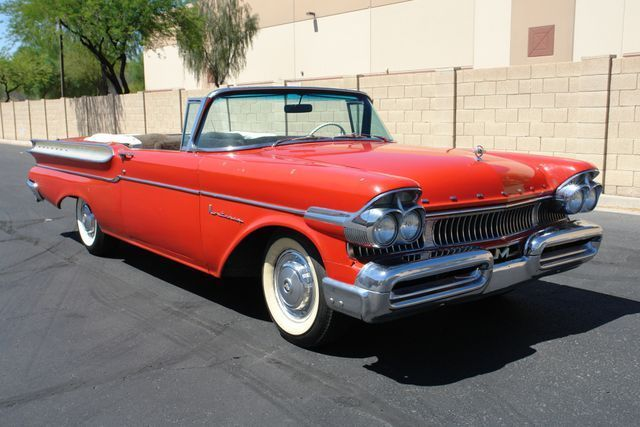1957 Mercury Monterey (Red/Black)