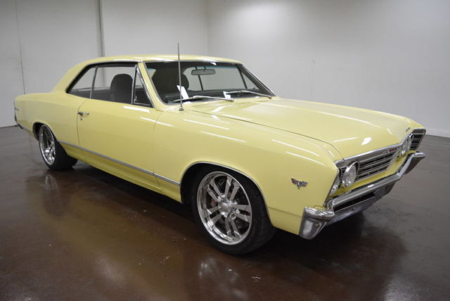 1967 Chevrolet Chevelle (Yellow/Black)