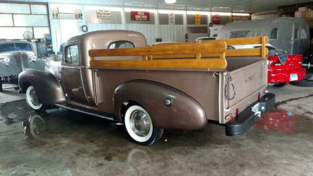 1947 Hudson Big Boy Series 18 (champaign/Brown)
