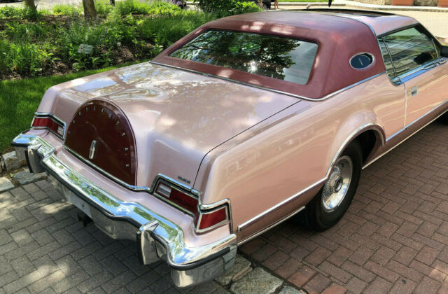 1976 Lincoln Mark Series (Rose Diamond Fire Metallic/Burgundy)