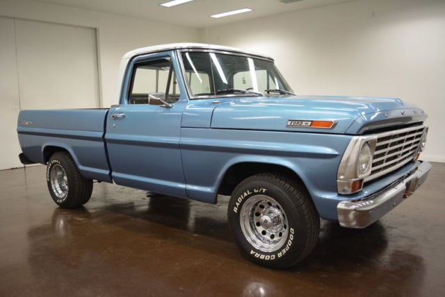 1969 Ford F-100 (Blue/Black)