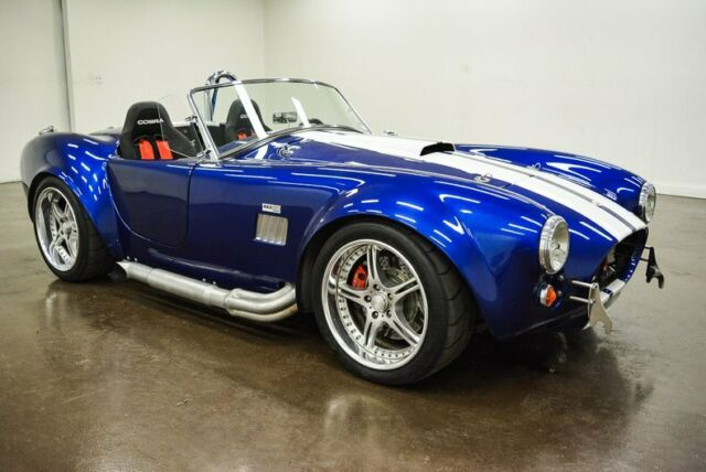 1965 AC Cobra (Blue/Black)