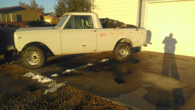 1979 International Harvester Scout (White/Black)