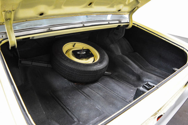 1968 Chevrolet Nova (Yellow/Black)
