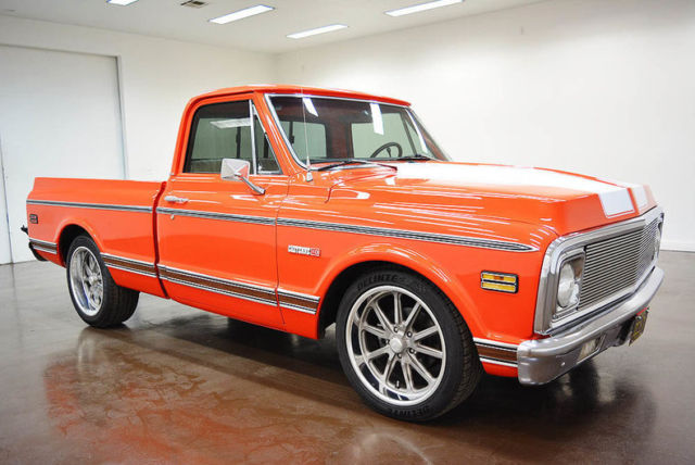 1972 Chevrolet Cheyenne (Orange/White)