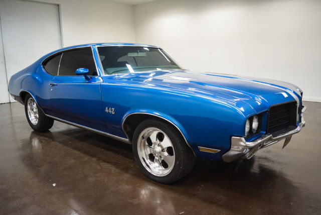 1971 Oldsmobile Cutlass (Blue/Black)