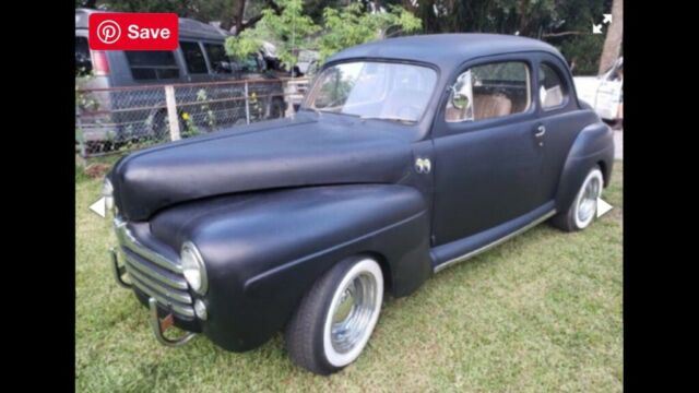 1947 Ford Deluxe (Black/Tan)