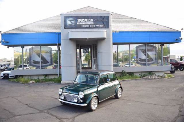 1976 Mini Cooper (Green/Black)