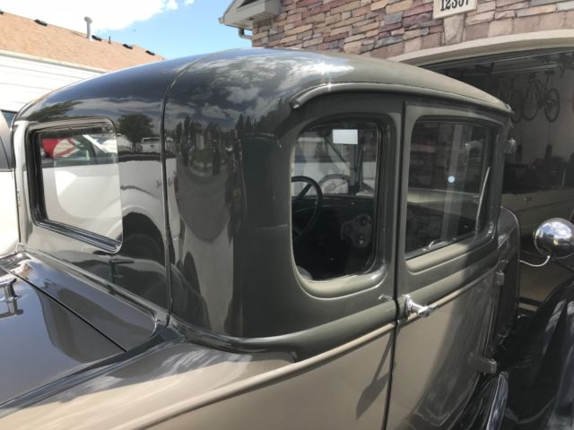 1930 Ford Model A (Gray/Black/Gray)