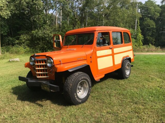 1951 Willys Jeep (Orange/Orange)