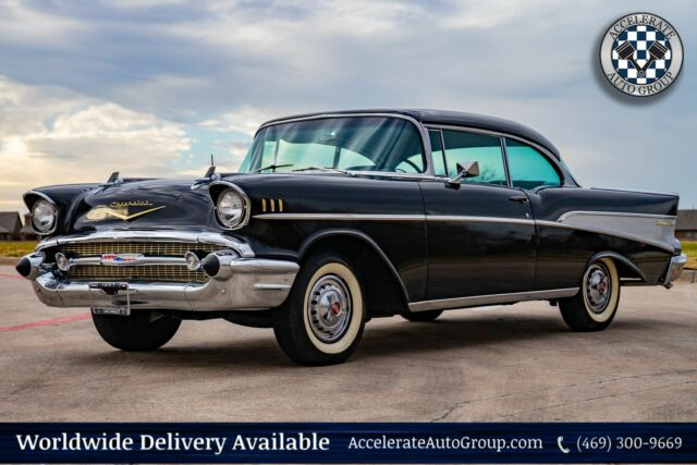 1957 Chevrolet BEL AIR (Black/Black)