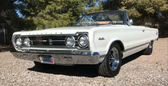 1967 Plymouth Satellite (White/Copper)