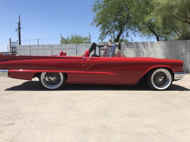 1959 Ford Thunderbird (Red/Red & white)