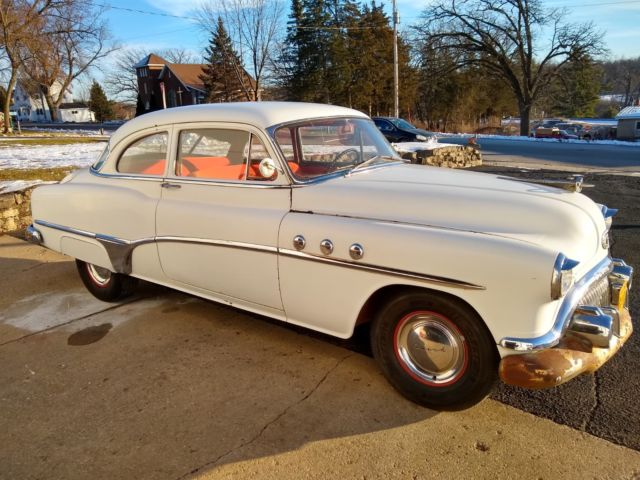 1951 Buick Special (White/Red)