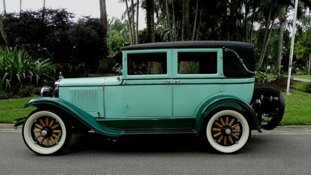 1928 Pontiac SPORT LANDAU (TEAL AND BLACK/GREEN)