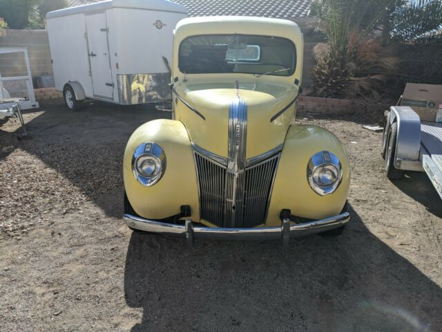 1941 Ford F-100 (Yellow/yellow)