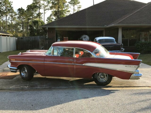 1957 Chevrolet Bel Air/150/210 (Red/Red)