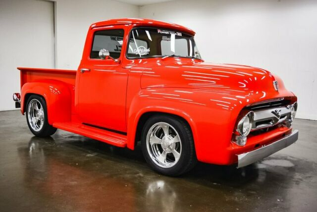 1956 Ford F-100 (Red/Tan)