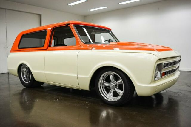 1969 Chevrolet Blazer (White/Black)
