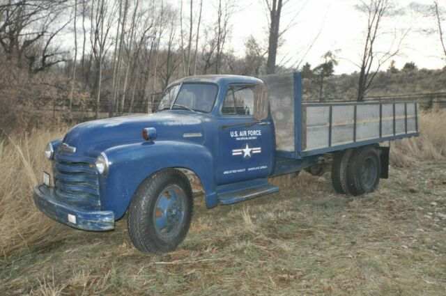 1952 Chevrolet 2-ton Cab Chassis Flatbed Loadmaster Truck (Blue/Brown and Blue)